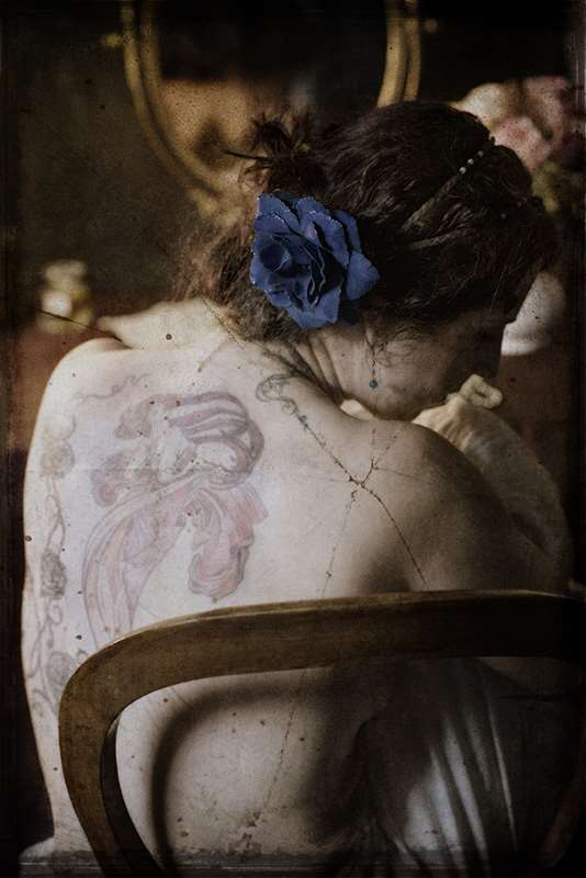 eric-rosier-mucha-boudoir-belle-epoque-femme-tatou